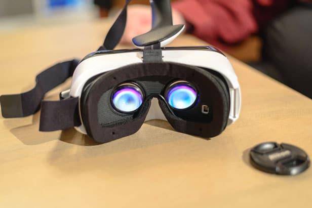 FREE Samsung Gear VR Headset $100 Voucher